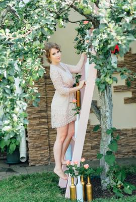 Девочка с персиками: сочная свадебная фотосессия!